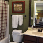How to completely change a small bathroom